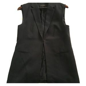Banana Republic sleeveless black blazer.